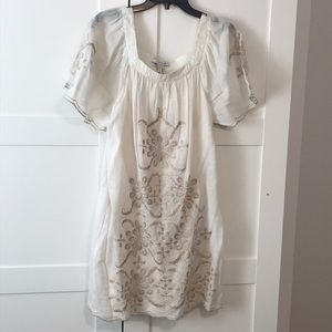 BCBGMaxazria cream and tan dress with sleeves